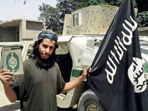 Thế giới - Chủ mưu khủng bố Paris thản nhiên uống rượu trên phố sau thảm kịch