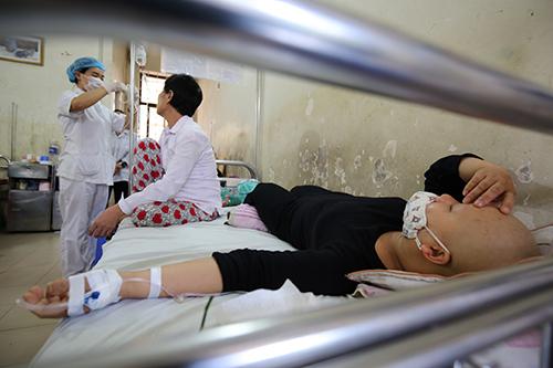 """Nhiều bệnh nhân ung thư chết sớm vì suy kiệt và … """"đói"""" - 1"""