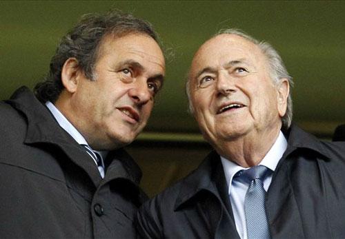 """Tin HOT tối 21/11: FIFA """"muốn"""" Blatter & Platini ngồi tù - 1"""