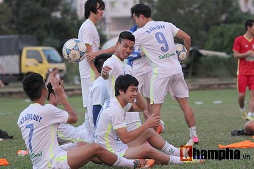 """Công Phượng đã """"tươi"""" trở lại để """"chiến"""" U21 Myanmar - 11"""