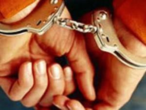 An ninh Xã hội - Bắt 2 kẻ đâm chết người đàn ông bế con chơi trước cổng