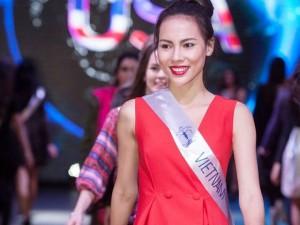 Thời trang - Lệ Quyên thất lạc hành lý khi thi Miss Supranational