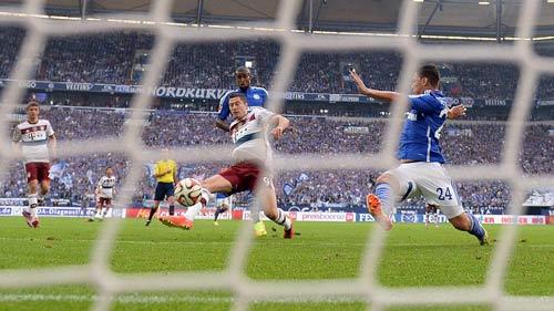 Schalke - Bayern: Chưa thể cản bước - 3
