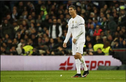 """Chùm ảnh: Ronaldo thất thần, Suarez - Neymar """"nhảy múa"""" - 10"""