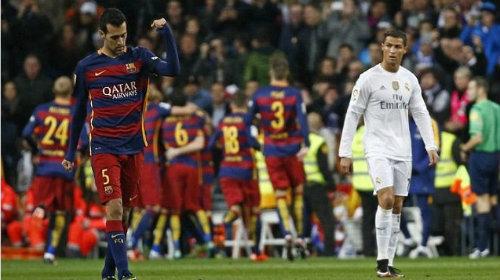 Báo chí sững sờ vì Barca, Zidane có thể thay Benitez - 2