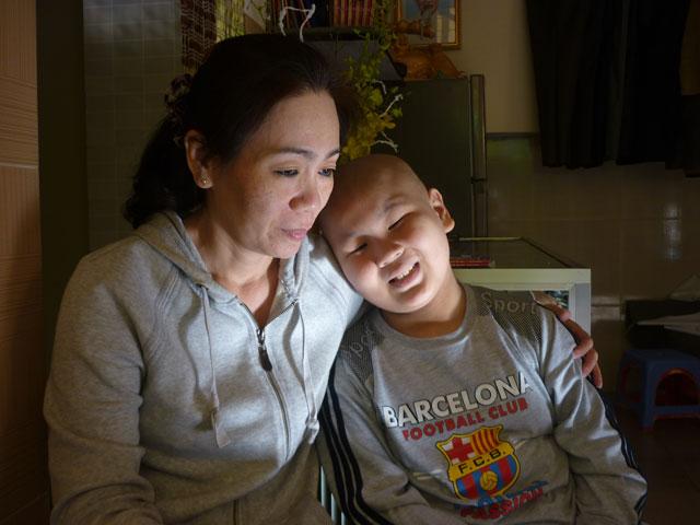 """Cậu bé ung thư làm CSGT: """"Đợi con lớn đã!"""" - 2"""