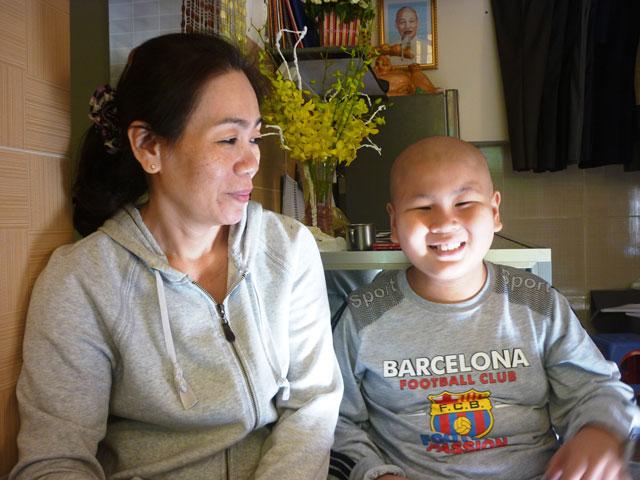 """Cậu bé ung thư làm CSGT: """"Đợi con lớn đã!"""" - 5"""