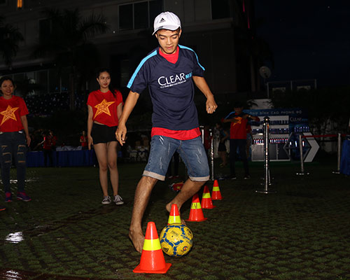 """CĐV Biên Hoà đội mưa, """"lăn xả"""" cùng U21 Việt Nam - 6"""