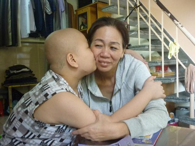 Cậu bé ung thư làm CSGT sắp được đi học trở lại - 1