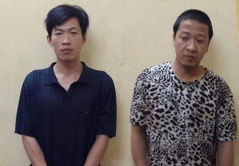 Đối tượng tàng trữ ma túy cầm dao cố thủ, dọa chém cảnh sát - 1