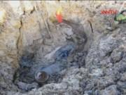 Bản tin 113 - Đào giun, cuốc trúng đầu đạn, 2 thanh niên tử vong
