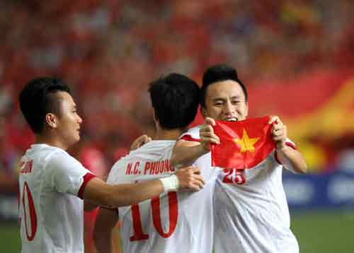 Không ai xứng đáng với Quả bóng vàng 2015 - 1