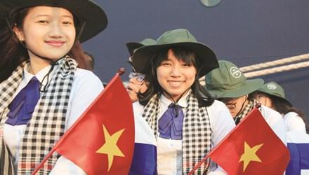 Nữ sinh Việt nói chuyện chống lũ trước nội các Nhật - 1