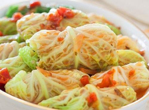 Ngon ngất ngây bắp cải cuộn thịt sốt cà chua - 4