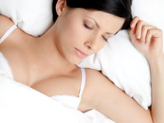 10 hành động kỳ lạ khi ngủ và nguyên nhân - 1