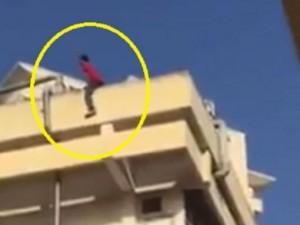 """An ninh Xã hội - Nam sinh viên """"ngáo đá"""" nhảy từ tầng 4 xuống đất"""