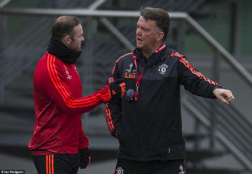 Rooney, Martial tái xuất, MU ngập tiếng cười - 1