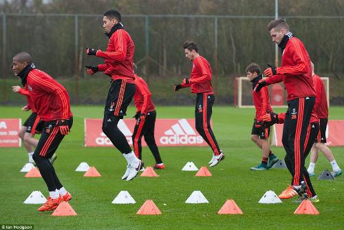 Rooney, Martial tái xuất, MU ngập tiếng cười - 5