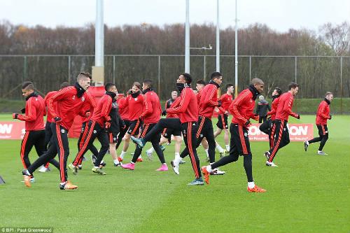Rooney, Martial tái xuất, MU ngập tiếng cười - 6