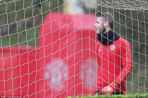 Rooney, Martial tái xuất, MU ngập tiếng cười - 3
