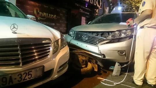 Nhân viên trông xe lái Mercedes gây tai nạn liên hoàn - 2