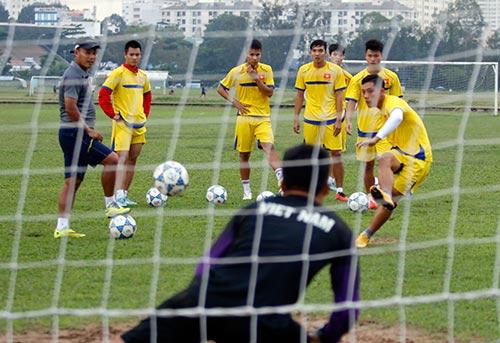 U21 Việt Nam luyện sút luân lưu chờ đấu U21 HAGL - 6