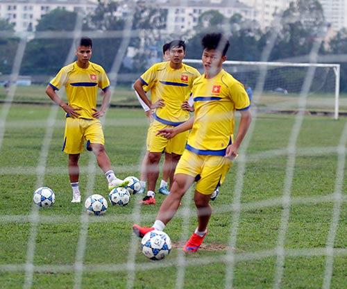 U21 Việt Nam luyện sút luân lưu chờ đấu U21 HAGL - 7