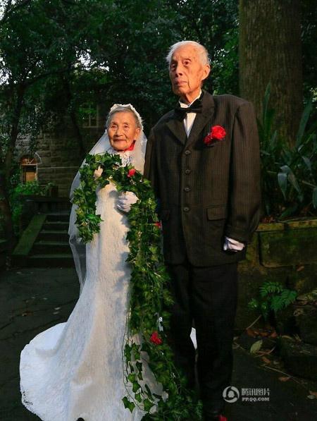 Phát ghen với cặp vợ chồng kỷ niệm ngày cưới lần thứ 70 - 2