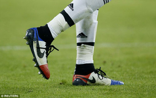"Pogba ""che mờ"" Toure ngày Juventus hạ Man City - 4"