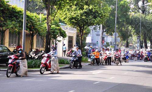 Kẹt cứng ở trung tâm Sài Gòn vì... diễn tập PCCC - 8