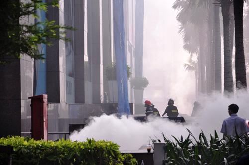 Kẹt cứng ở trung tâm Sài Gòn vì... diễn tập PCCC - 13