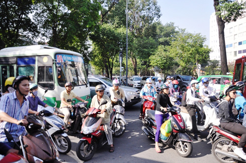 Kẹt cứng ở trung tâm Sài Gòn vì... diễn tập PCCC - 3