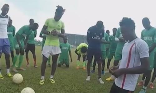 Những cầu thủ siêu khỏe tìm cơ hội chơi bóng ở VN - 1