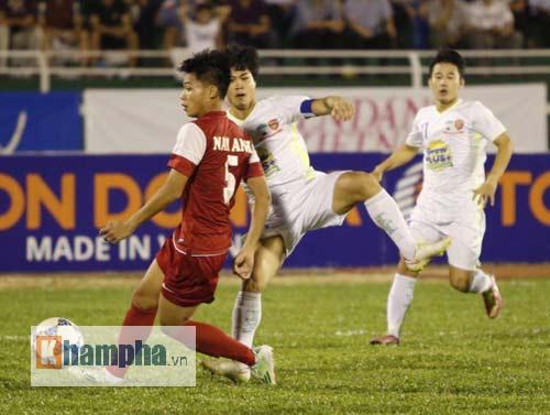 Công Phượng chói sáng, hàng thủ U21 VN lao đao - 3
