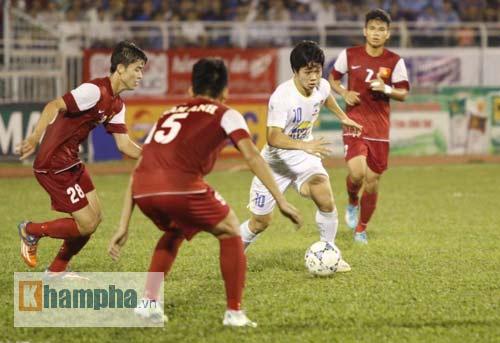Công Phượng chói sáng, hàng thủ U21 VN lao đao - 2