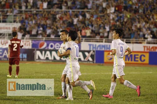 Công Phượng chói sáng, hàng thủ U21 VN lao đao - 7