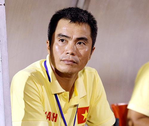 """Học trò """"rơi lệ"""", HLV U21 Việt Nam ông ở đâu? - 2"""