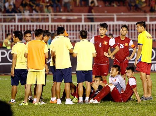"""Học trò """"rơi lệ"""", HLV U21 Việt Nam ông ở đâu? - 5"""
