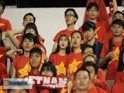 """Bóng đá - Fan nữ xinh thổn thức khi U21 HAGL """"đấu súng"""" nghẹt thở"""