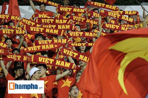 """Fan """"quẩy"""" tưng bừng xem Công Phượng đấu U21 Việt Nam - 3"""