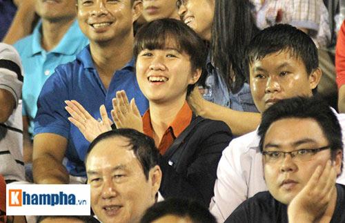 """Fan """"quẩy"""" tưng bừng xem Công Phượng đấu U21 Việt Nam - 5"""