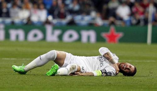 Liga trước vòng 13: Messi lấy lại vương trượng - 1