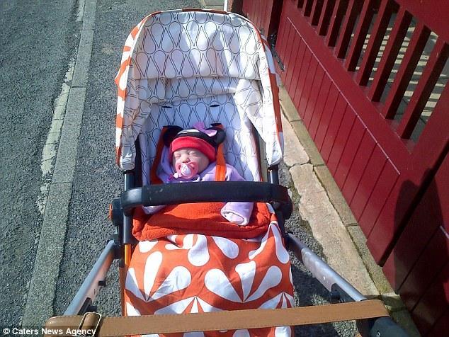 Đau đớn vì sảy thai, bà mẹ coi búp bê như con ruột - 3