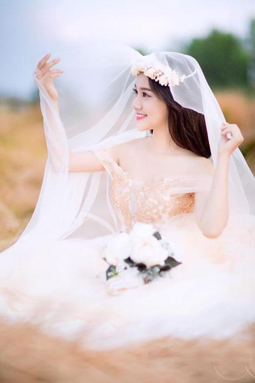 Trọn bộ ảnh cưới khoe vòng 1 gợi cảm của Thúy Vi - 10