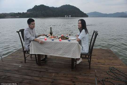 """Độc đáo nhà hàng """"giam"""" khách ở Trung Quốc - 5"""