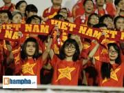 """Bóng đá - Fan """"quẩy"""" tưng bừng xem Công Phượng đấu U21 Việt Nam"""