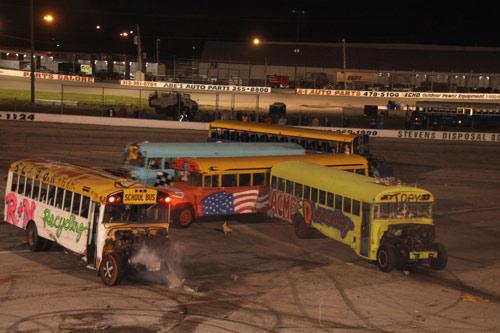 Đứng ngồi không yên xem đua xe buýt hình số 8 - 1