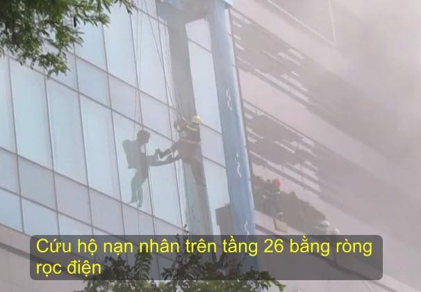 Clip: Nín thở xem diễn tập giải cứu 3.000 người trong tòa nhà cháy nổ - 1