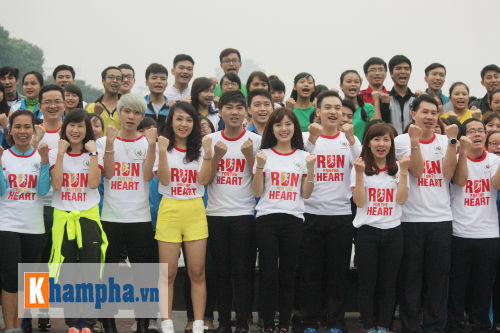 """Hot girl MU Tú Linh, hoa khôi bóng đá """"Chạy vì trái tim"""" - 14"""