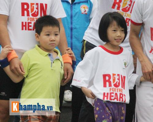 """Hot girl MU Tú Linh, hoa khôi bóng đá """"Chạy vì trái tim"""" - 7"""
